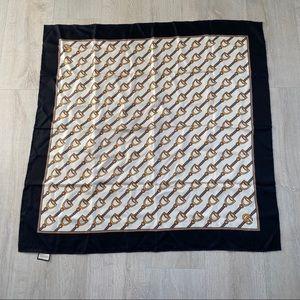 GUCCI Silk Scarf Black/White/Gold Chains